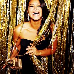 My favorite win Gina Rodriguez for best actress in a comedy tv series Golden Globes 2015 props for Jane the virgin not only the first Latina lead for the cw but the first golden globe nominee and WINNER for the cw! Gina Rodriguez, Golden Globe Award, Golden Globes, Ny Dress, Beautiful People, Beautiful Women, New Year Photos, Jane The Virgin, Nouvel An
