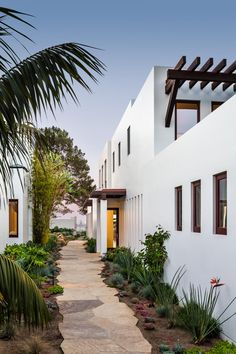 This new guest house was built on limited space but was able to retain the theme of the homeowner's main residence.