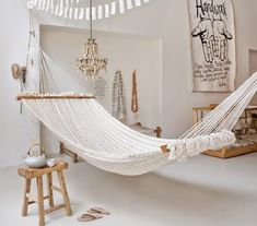 6 Stylish Ways To Decorate With Indoor Hammocks - The Travelshopa Blog
