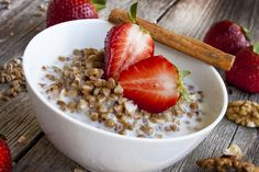 Buckwheat porridge is a very useful breakfast Buckwheat, Acai Bowl, Oatmeal, Good Food, Health Fitness, Ale, Sweets, Cooking, Breakfast