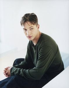 Tom Hardy young photos best and new movies tv shows early acting career first film height weight. Modelos Calvin Klein, Sarah Dunn, Tom Tom Club, Tom Welling, Wife And Kids, Gary Oldman, Thing 1, Marlon Brando, Young Models