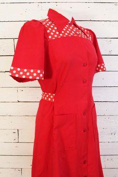 rode vintage jurk met polkadot details... www.sugarsugar.nl