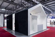 Sistemi RasoParete stand by Vannini Cesaretti, Milan exhibit design