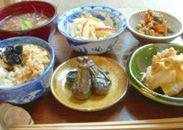 ご飯セット玄米と旬の野菜・チャイの店 MOMONGA(ももんが)