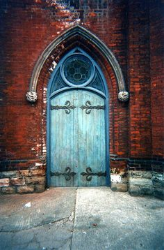 This gorgeous door looked so medieval i cant even remember where i saw it somewhere in toronto. The contrast between the blue and the red brick was most impressive. Cool Doors, Unique Doors, When One Door Closes, Door Entryway, Knobs And Knockers, Door Gate, Red Bricks, Closed Doors, Doorway
