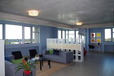 Enjoy your stay in an open-plan loft with expansive ocean and city views.