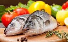 Choosing seafood wisely can reduce environmental impact and keep you in good health. Here are some tips from the Smart Seafood Guide Avoid the dirty dozen – the twelve most contaminated fish species. Fast Metabolism Diet, Metabolic Diet, Empanadas, Seed Cycling, Menopause Diet, Teeth Care, Good Foods To Eat, Energy Bites, Natural Cures