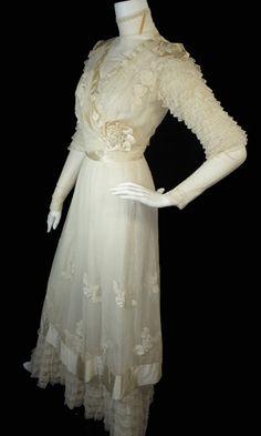 1900's wedding dress