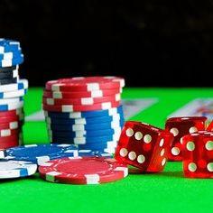 Die Casinos Austria AG ist die dicke, fette Beute in der Alpenrepublik, die sich für die großen Raubtiere der Glücksspielbranche einfach nicht erlegen lassen möchte. Der Konzern Novomatic war schon kurz davor, zusammen mit dem tschechischen Konsortium