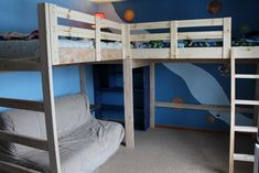 Etagenbett Mit Loft Catchy Bunk Bed With Play Floor With Diy Loft Bed With Plant Guide Pattern Corner Bunk Beds, Loft Bunk Beds, Bunk Beds With Stairs, Kids Bunk Beds, Diy Lit, Cheap Bunk Beds, Double Loft Beds, Triple Bunk, L Shaped Bunk Beds