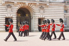 free things to do in london changing of the guards buckingham palace @5._.55_