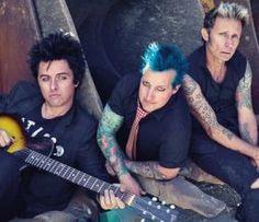 """Green Day será homenageado com prêmio de """"Ícone Global"""" no EMA 2016 #Banda, #BrunoMars, #M, #MTV, #Noticias, #Novo, #Prêmio, #Zara http://popzone.tv/2016/11/green-day-sera-homenageado-com-premio-de-icone-global-no-ema-2016.html"""