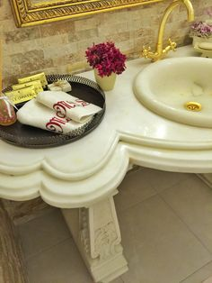 Bathroom idea #decor #interior #bathroom #gold #baroc #antique #homedecor #bathroomdesign