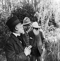 mimbeau:  Claude Monet and Edouard Vuillard France (Giverny ?) 1920 (unknown)