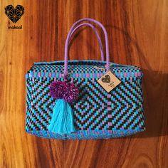 "Modelo ""Pañalera Mediana"" $ 200 pesos, hecha a mano <3, tejidos y colores diferentes :) Envios a toda la Republica Mexicana! Buscanos en Facebook e Instagram :) CONTACTANOS!!!"