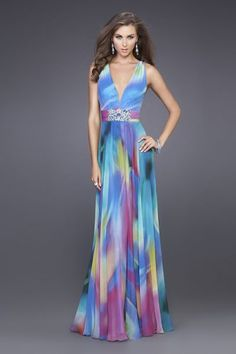 Shop La Femme evening gowns and prom dresses at Simply Dresses. Designer prom gowns, celebrity dresses, graduation and homecoming party dresses. Stunning Prom Dresses, Beautiful Gowns, Pretty Dresses, Beautiful Outfits, Gala Dresses, Casual Dresses, Prom Gowns, Short Semi Formal Dresses, Schneider
