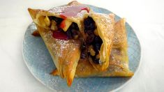 Eplestrudel med rosiner og Amaretto Strudel, Bakery, Tacos, Homemade, Ethnic Recipes, Desserts, Tv, Food, Tailgate Desserts
