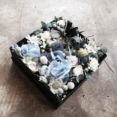 . Lesson Order Katalk ID vaness52 E-mail vanessflower@naver.com . #vanessflower #vaness #flower #florist #flowershop #handtied #flowergram #flowerlesson #flowerclass #바네스 #플라워 #바네스플라워 #플라워카페 #플로리스트 #꽃다발 #부케 #원데이클래스 #플로리스트학원 #화훼장식기능사 #플라워레슨 #플라워아카데미 #꽃수업 #꽃스타그램 #부케 #花 #花艺师 #花卉研究者 #花店 #花艺 . . #플라워박스 #flowerbox . . 더운여름 블루로 시원하게