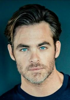 Chris Pine, blue eyes