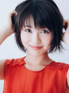 浜辺美波 Japanese Eyes, Cute Japanese Girl, Japanese Beauty, Asian Beauty, Elegant Girl, Beautiful Asian Girls, Japan Girl, Face Hair, Kawaii