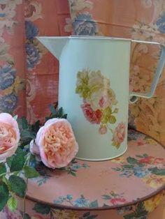 Enamel & roses <3