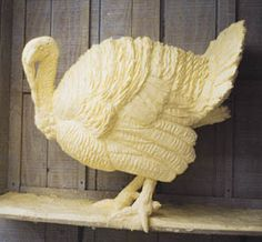 Jim Victor's Butter Sculpture of a turkey Amazing Food Art, Amazing Pics, Cheese Art, Food Sculpture, Chocolate Sculptures, Food Carving, Butter, Weird Food, Chocolate Art
