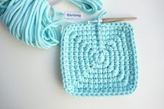 Hranatý košík NÁVOD – Veľká vlna Knit Crochet, Diy And Crafts, Crochet Patterns, Basket, Knitting, Crocheting, Irish, Decor, Tejidos