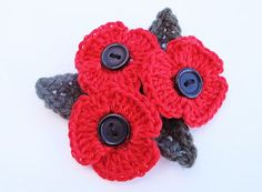 How to crochet a poppy. Simple pattern, with an extra one for a leaf from Addicted to Making. Knit Or Crochet, Cute Crochet, Crochet Motif, Beautiful Crochet, Crochet Crafts, Yarn Crafts, Crochet Projects, Crochet Appliques, Quick Crochet