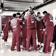 #Bulls teammates come together to prepare for #gametime