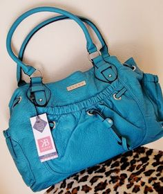 Momma Told Me: Blog POP!- Kaboo Tech Savvy Bags for Fashion Savvy Women~ 9/22  oh my... I love the color of this bag...