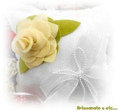 Almofada Para Aliança de Rosas