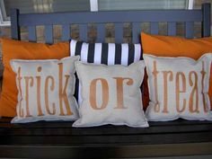 Create simple pillows with fall words.