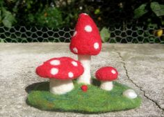 Needlefelted fairy toadstool mushrooms sets