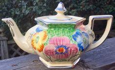 Pretty in Pink-Art Deco Arthur Wood Teapot England