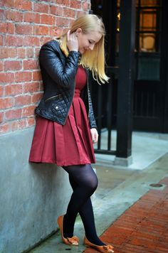 Vancouver Vogue: Pantone Colour of the Year Marsala box pleat dress & shoes from necklace, Zara quilted faux leather jacket Night Outfits, Cute Outfits, Colored Tights Outfit, Color Of The Year, Girl Model, Bollywood Fashion, Pantone Color, Women Wear, Control Unit
