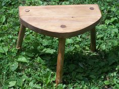 Reproduction of the Lund stool.  I need one of these - perhaps a little taller - to travel with my spinning wheel!
