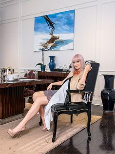 Натали — эстрадная певица, автор песен. На ее счету 12 альбомов, многие из них вышли рекордными тиражами. Вне сцены Натали называет себя обычной домохозяйкой, которая с удовольствием занимается бытом и предпочитает это делать в свободном, не перегруженном вещами пространстве, где интерьер решен максимально разумно и практично при идеальном сочетании воздуха, света и цвета... В журнале «Красивые квартиры» №6 (151) '2016