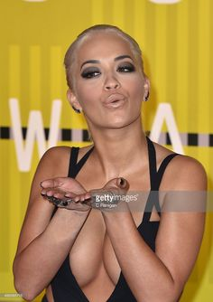 Rita Ora arrives to the 2015 MTV Video Music Awards at Microsoft Theater on August 30, 2015 in Los Angeles, California.