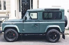 Land Rover Defender 90 Td4 KHAN. Nice.