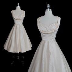 Vintage 50's Inspired Full Swing Skirt  Bombshell Wedding Party Dress UK 12 M