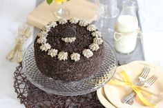 Cookies and Cream Cake -- my mouth dropped when i saw this.