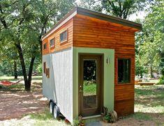 Estudante constrói casa móvel para evitar dívidas na faculdade
