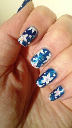 Petites fleurs printanière https://www.facebook.com/pages/Anny-nails-art-anny-lamande/551388051583198