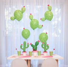 Kaktus Luftballons Ideen - Dekotrend für den Sommer Need a unique idea for Valentine's Day? How about a Cactus Party for kids! Check out the Cactus Balloon DIY Cactus Balloon, Cactus Cactus, Cactus Craft, Baby Cactus, Indoor Cactus, Cactus Flower, Anniversaire Cow-boy, Llama Birthday, 2nd Birthday