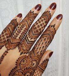 Image may contain: one or more people Henna Tattoo Designs Arm, Wedding Henna Designs, Latest Bridal Mehndi Designs, Henna Designs Feet, Finger Henna Designs, Mehndi Designs 2018, Mehndi Designs For Fingers, Unique Mehndi Designs, Mehndi Design Pictures