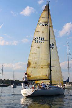 .this is on my 'bucket list'..I want to go sailing sooooooo bad!