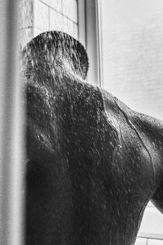 Bad Boy Aesthetic, Couple Aesthetic, Character Aesthetic, Aesthetic Body, Body Photography, Photography Poses For Men, White Photography, Photo Pour Instagram, Photographie Portrait Inspiration