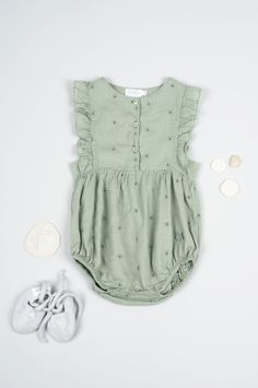 I really really like this style of outfit. Mix between a baby grow and an actual outfit. My little girl would live in outfits like these.