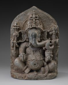 SFO Museum presents Deities in Stone: Hindu Sculpture from the Collections of the Asian Art Museum The Hindu deity Ganesha c. 1200–1300 India; Karnataka state schist Asian Art Museum of San Francisco, the Avery Brundage Collection