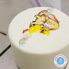 Painting on fondant tutorial
